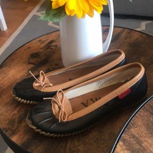 Gently used Chooka Duck Flats Size 10. So comfy!❤️